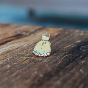 Jewelry - Dress Pin